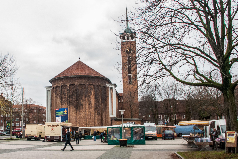 Wochenmarkt auf dem Straßburger Platz